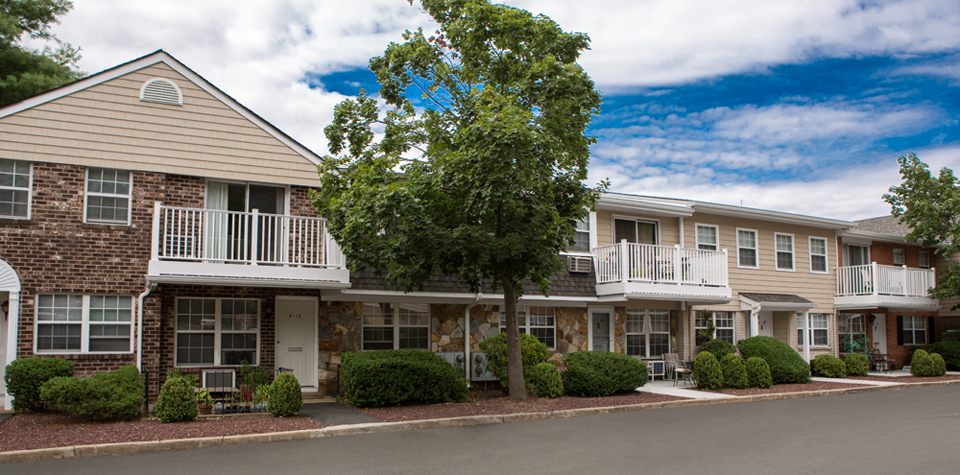 The Gold Coast At Your Doorstep Apartments For In East Norwich Ny Heatherwood Luxury Als Blog